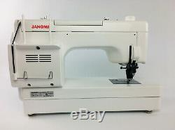 Mint Condition! Heavy Duty Janome Memory Craft 6600P Professional Sewing Machine